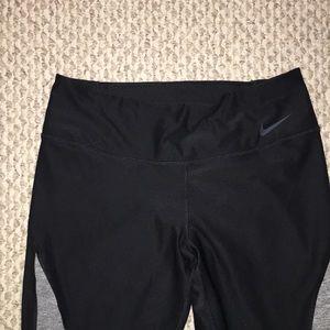 Nike Pants & Jumpsuits - Ankle length Nike leggings